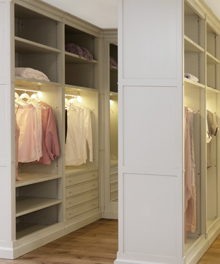 Directoire Closet